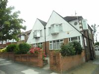 4 Bedroom House in Lynwood Road, Ealing W5 1JG