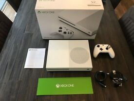 Xbox One S Console - White - 500GB - USED ONCE! Boxed & with original cables & controller