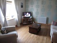 ***LET AGREED***One bed part furnished flat with parking, Shawlands, £525pcm