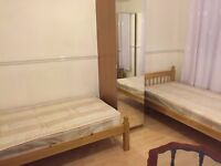 Aldgate East Twin Room all bills include and free unlimited wifi very close to London Met University