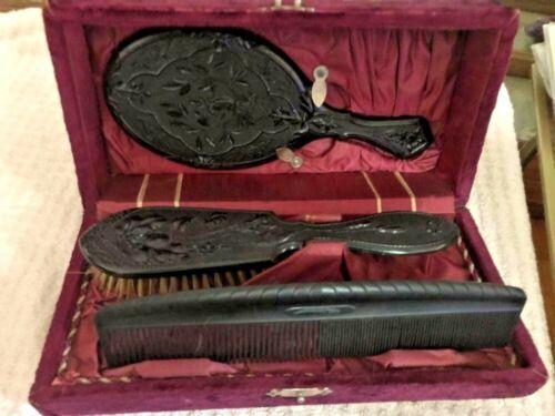 "C1880 Gutta Percha ""Diatite"" Hair Beauty Set in Original Velvet Case"