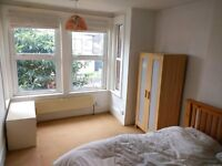 Beautiful HUGE furnished double room in quiet houseshare