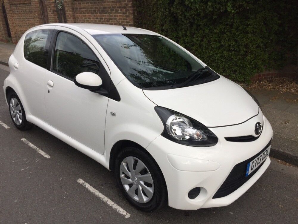 toyota aygo vvt i ice white 2013 in wandsworth london gumtree. Black Bedroom Furniture Sets. Home Design Ideas