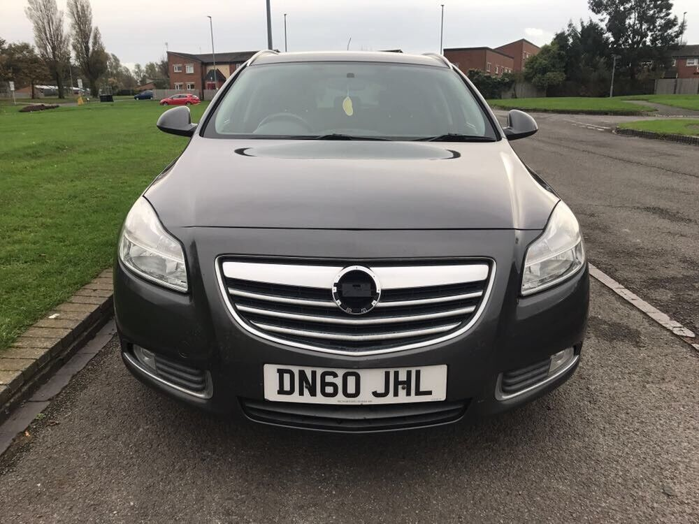 Vauxhall Insignia 2.0cdti 2011 sport tourer will come with a full mot
