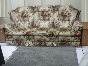 3 SEATS SOFA & 2 SIDE TABLES w/ STORAGES & PULL OUT TRAY, MOVING