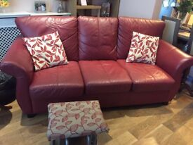 Leather settee n chair