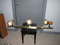 3 light track lighting