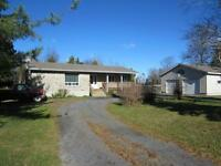 SECLUDED COUNTRY BUNGALOW ON 5 ACRES IN ALEXANDRIA