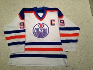 Wayne Gretzky game used worn jersey gloves helmet stick values Edmonton Edmonton Area image 5