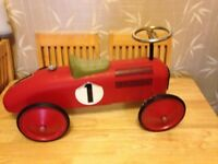 Vintage / Traditional / Retro - Ride-on Toy Sports Car, Retro Toy Ride-on Racer - Photo Prop