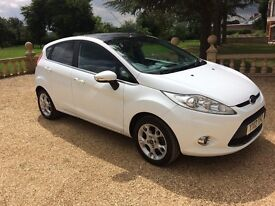 FORD FIESTA 1.2 Zetec, MOT March 2018, Just Serviced, Immaculate All Round (white) 2012