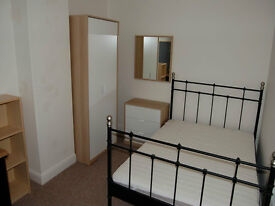 Double room in beautiful clean house in quiet location. Share with 3 female students.