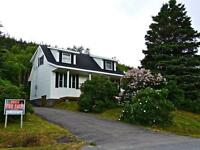 Beautiful Cape Cod Home in the heart of Gros Morne National Park