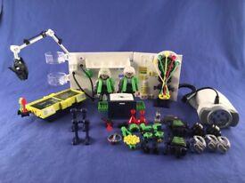 Playmobil 4880 Robo Gang Lab with Multi functional Flashlight