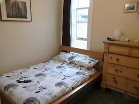 Spacious, bright and clean 2 bedroom flat on Acton/Chiswick Borders
