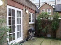 1 Bedroom Flat in Three Cups Yard, Sandland Street, London WC1R
