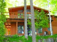 GORGEOUS LAKEFRONT CEDAR CHALET ~ ☼ONLY LABOUR DAY WKND LEFT ☼