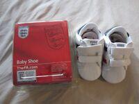 Pram shoes - age 9-12 months, UK size 3 (unworn)