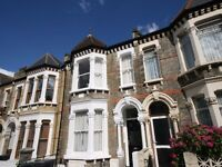Stunning, one double bedroom Victorian Conversion apartment. in Brixton ONLY 300pw