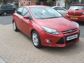 FORD FOCUS TITANIUM NAVIGATOR TDCI (red) 2014
