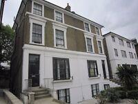 1/2 bed ground floor flat on Camden Road £325 pw
