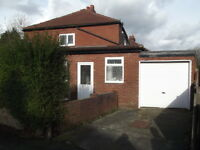 3 bedroom house in Maddison road, Droylsden, 3 bedroom to let, For 3 professionals, Bills included,
