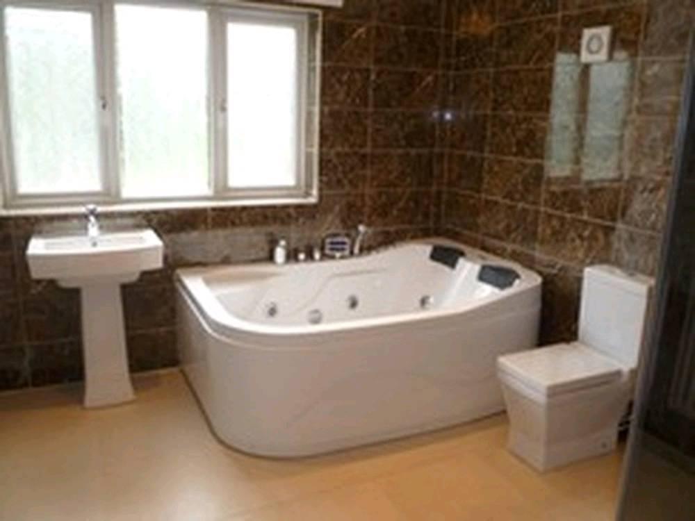 Bathroom Installer Tiler and Fitter