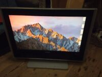 Bush HD Digital LCD Flat Screen 25inch HDMI and VGA Connections