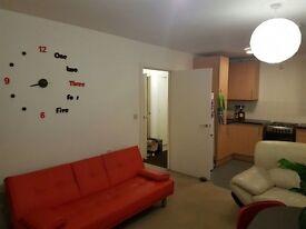 2 bedroom flat in Windmill Road,Mitcham. Mitcham
