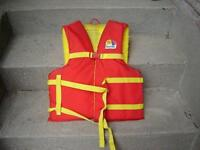 KID'S & ADULTS' LIFE JACKETS/SWIMMING/POOLS/FISHING