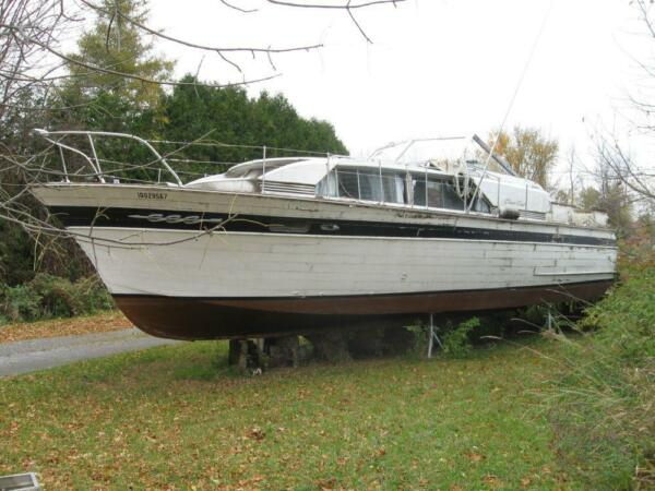 1965 Chris-Craft Constellation