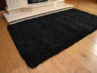Black Soft Touch Shaggy Pile Rug 5 cm Thick As Good as New