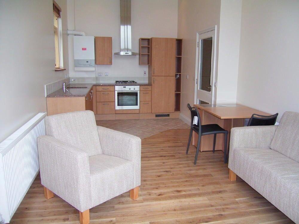 2 Bedroom Flat in Elmer Court, St. Johns Road, Harrow HA1