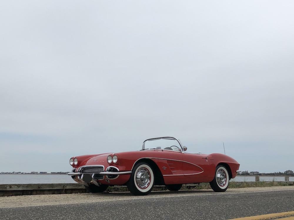 1961 Red Chevrolet Corvette     C1 Corvette Photo 5