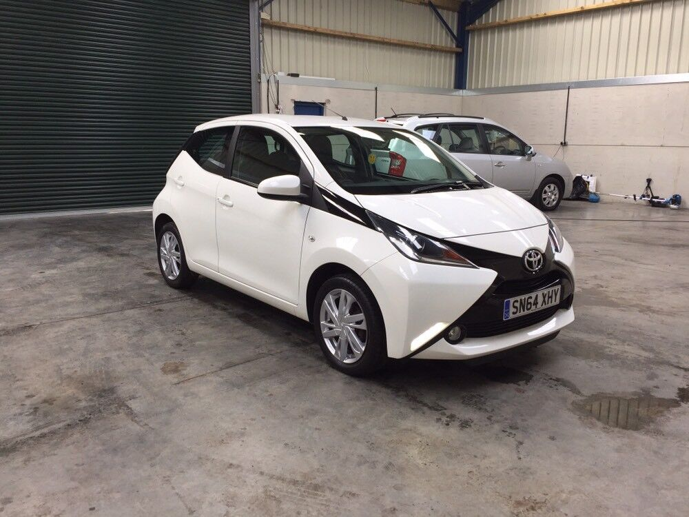 2015 Toyota aygo x-pression vvt-I 998cc top of range LEATHER, CAMERAS, , 1 owner cheapest in country