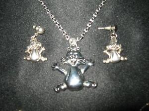 Cat Lovers- Funky Cat Necklace/Earrings wth Movable parts-NEW!