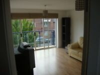 HULME - double room in spacious, modern 3-storey townhouse