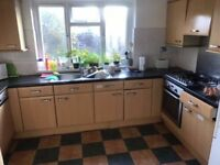 -SINGLE ROOM AVAILABLE NOW IN WILLESDEN GREEN AREA-