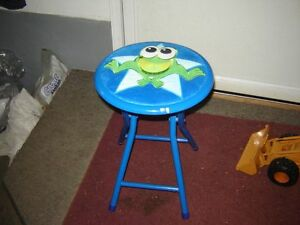 LITTLE BLUE METAL STOOL WITH FROG ON TOP/TOYS London Ontario image 2