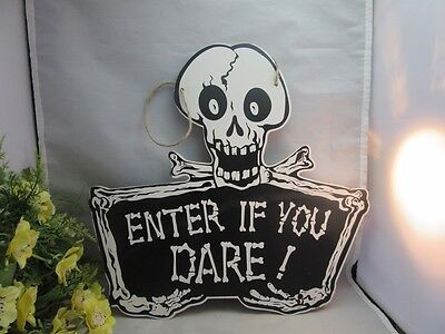 Halloween skull sign home decor.Enter if You Dare