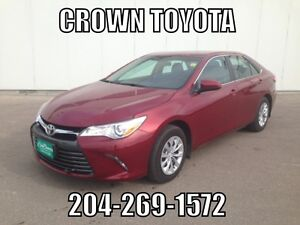 2016 TOYOTA CAMRY LE! CLEAN CARPROOF! @ CROWN TOYOTA