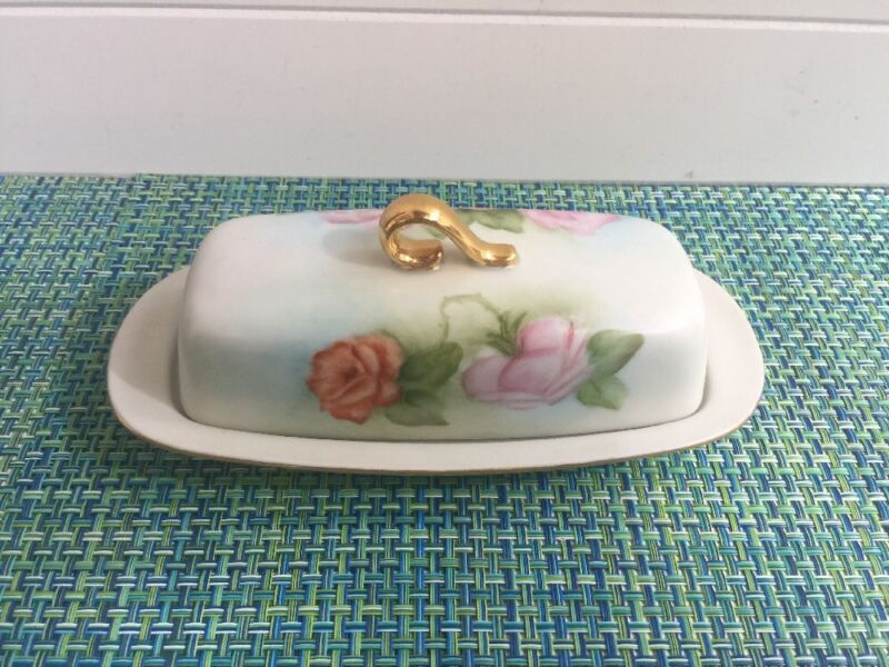 HAND PAINTED ROSES COVERED BUTTER DISH SIGNED EILEEN METTLER BRANDT.