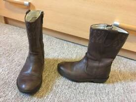 clarks boots size 8 f