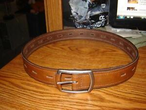 BRAND NEW MAN'S LEATHER BELT(32)/MEN'S PANTS