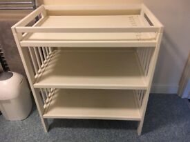 Changing table (ikea)
