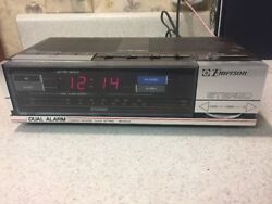 Emerson Dual Alarm Clock AM/FM Radio RES5244A