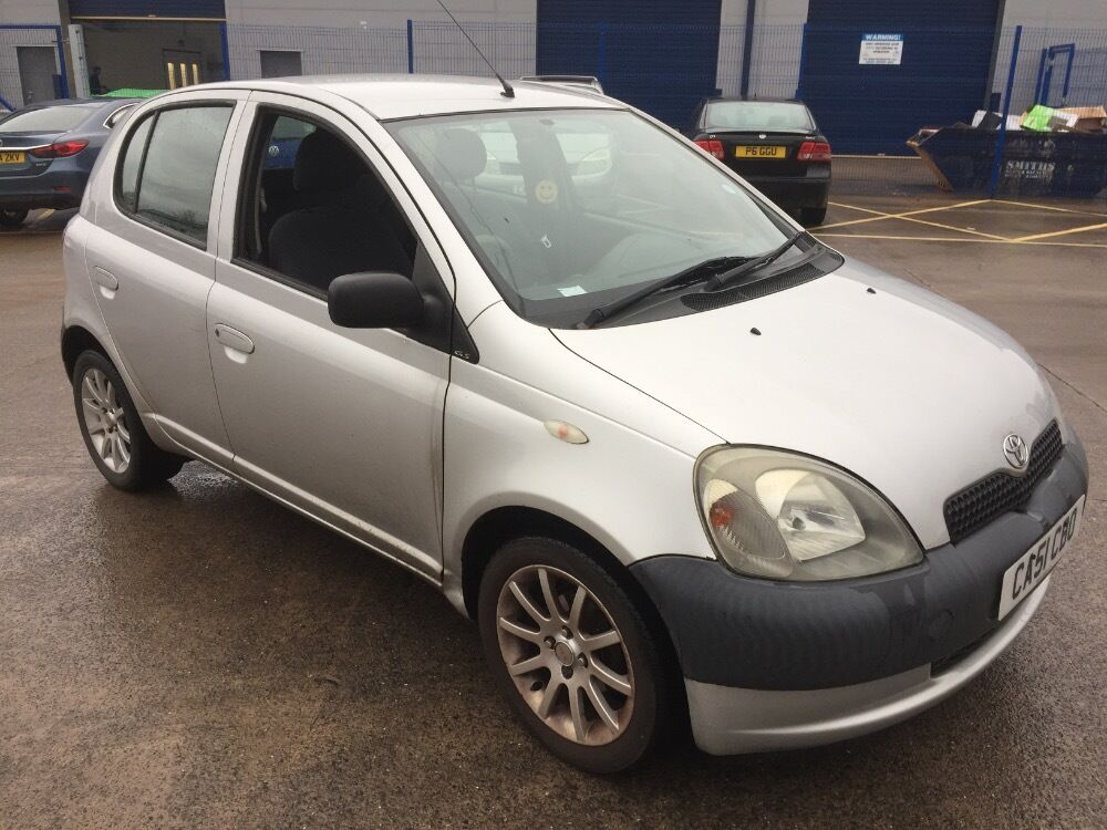 toyota yaris gs vvt i silver 2002 in cardiff gumtree. Black Bedroom Furniture Sets. Home Design Ideas