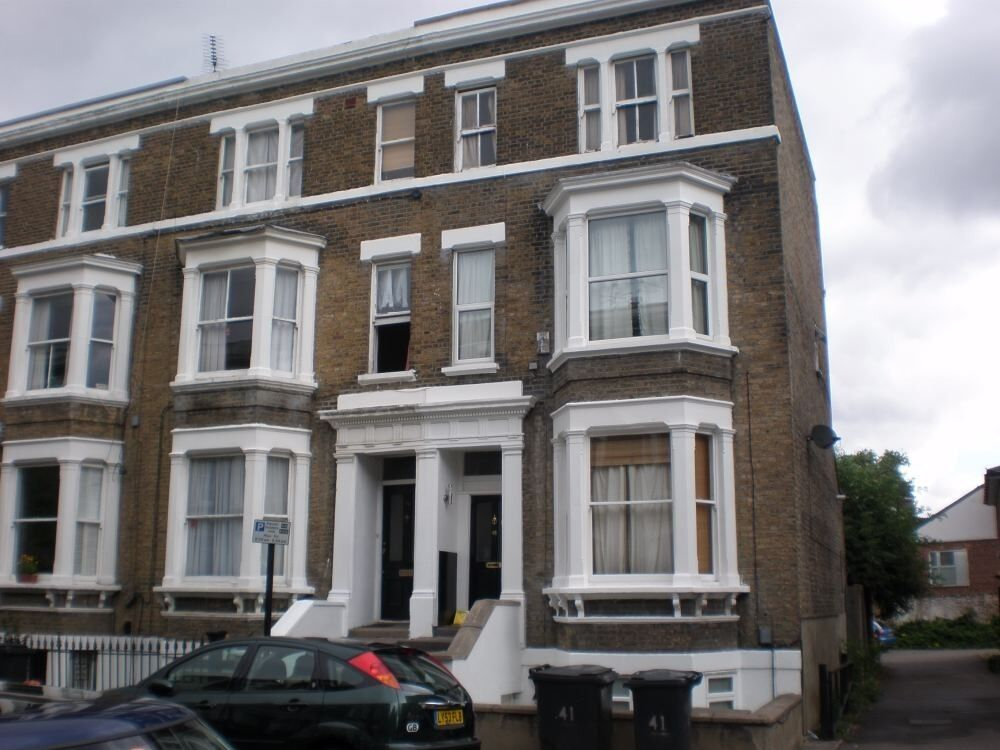 Stunning Modernised Victorian 2 Double bedroom Flat, Minutes From Oval Tube