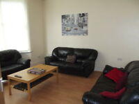 8 bedrooms in Scarsdale Road, Ensuite room to let HOUSE SHARE, ideal for students, Manchester