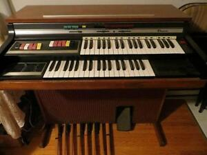 THOMAS ELECTRIC ORGAN